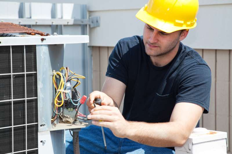 24 Hour Emergency Air Conditioner Repair Services in Goldsmith